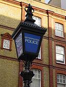 Blauwe lamp, symbool van de Metropolitan Police Force van Londen, die op 29 september 1829 werd opgericht.