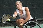 Esther Vergeer won haar achtste Australian Open en nam haar 404e consecuatieve wedstrijd op.