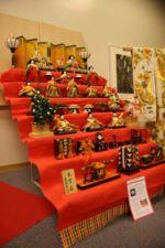 Siebenstöckiges Puppenset zur Feier des Hinamatsuri, dem Girls' Day, in Japan am 3. März.