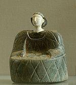 Kamienna figurka kobiety, znana jako Bactrian Princess, z Bactrii, na północ od Afganistanu, około 4000 lat temu