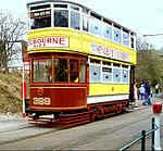 Een tram uit 1925 uit Leeds bij de tramhalte