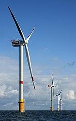 De natuurlijke hulpbron wind drijft deze windturbines van 5MW aan in een windmolenpark in België