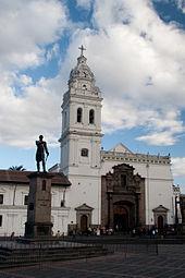 Gezicht op de kerk van Santo Domingo
