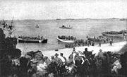 Landung australischer und neuseeländischer Truppen bei Anzac Cove, 25. April 1915.