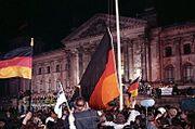 Duitsland werd officieel herenigd op 3 oktober 1990.