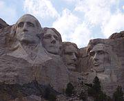 Die Arbeit am Mount Rushmore beginnt am 3. März 1925.