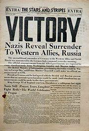 Krant ter viering van de Dag van de Overwinning in Europa op 8 mei 1945.