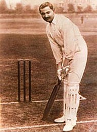 Ranji (Ranjitsinhji Vibhaji, Maharaja Jam Sahib de Nawanagar) foi o primeiro grande jogador indiano. Ele jogou pela Inglaterra 1896-1902, e foi oficial do Exército Britânico na Primeira Guerra Mundial.