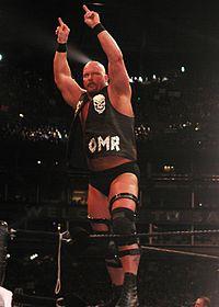 Steve Austin hält mit drei Siegen den aktuellen Rekord für die meisten Royal Rumble-Spielsiege.
