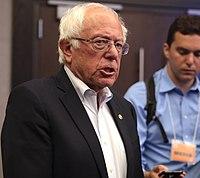 Sanders během kampaně v Altooně, Iowa, srpen 2019