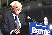 Sanders na svém druhém prezidentském shromáždění na molu Navy Pier v Chicagu, březen 2019