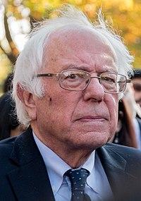 Sanders na politickém shromáždění ve Washingtonu, D.C., listopad 2016