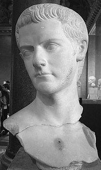Buste van Caligula.