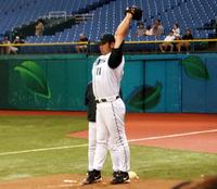 Hideo Nomo won in 1995, de eerste van een aantal spelers die met eerdere honkbalervaring in Nippon Professional Baseball wonnen.