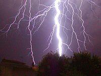 100 bliksemschichten raken de aarde elke seconde.