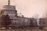 Inhuldiging van Abraham Lincoln, 4 maart 1861, onder de onvoltooide koepel van het capitool.