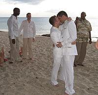 Een homo huwelijksceremonie.
