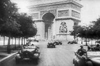 Duitse troepen in Parijs na de val van Frankrijk.