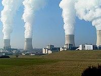 Elektrische Energie wird in Kraftwerken erzeugt.