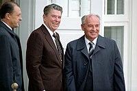 Reagan s Michailem Gorbačovem na summitu v Reykjavíku, říjen 1986