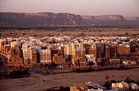 イエメンの農村部では、国家の権威が弱く、部族間の紛争は暴力によって解決されることが多い。
