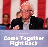 Sanders na politickém turné v Mesa, Arizona, duben 2017