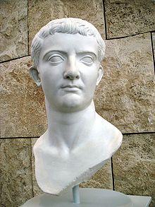 Een buste van Tiberius.