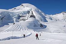 Skigebied boven de gletsjers van Saas-Fee