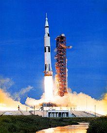 Lancering van Apollo 15 naar de maan.