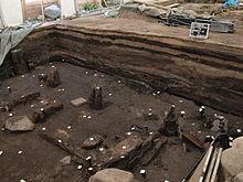 Opgravingen in Hamburg: De verschillende lagen (of lagen) hebben verschillende kleuren.