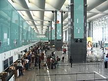 Check-in balies op de internationale luchthaven van Bengaluru, India
