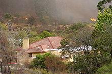 Brand in de buurt van huizen in Long Gully, ten westen van Bendigo.