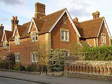 Baksteen- en tegelhuizen in Beaulieu, Engeland
