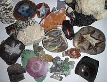 Een verzameling van verschillende mineralen.