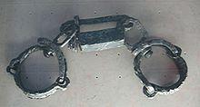 Kettingen zoals deze werden gebruikt om slaven tegen te houden om te ontsnappen...