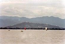 Er zijn veel belangrijke religieuze plaatsen op Mandalay Hill.