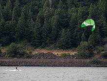 Kitesurfing na rzece Columbia, Oregon.