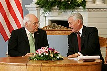 Valdas Adamkus, ein ehemaliger Präsident und US-Vizepräsident Dick Cheney in Vilnius