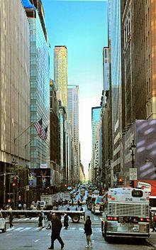 Madison Avenue, op zoek naar het noorden van 40th Street, in Midtown Manhattan.