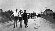 Thomas J. Hicks loopt de marathon op de Olympische Zomerspelen van 1904...
