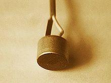 Electret microfooncapsule.