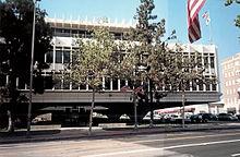 Seismisch aangepast gebouw voor gemeentelijke diensten in Glendale, CA