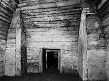 Hoofdkamer, kijkend naar de ingang