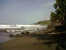 Tropikalna plaża (El Zonte) w pobliżu La Libertad, El Salvador.