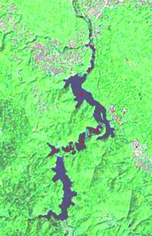 Zicht op de meren op een satellietbeeld