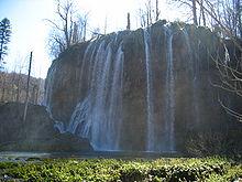 De waterval Galovački buk bij de Bovenmeren