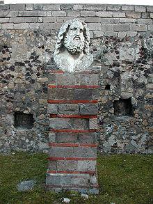 Buste van Jupiter aan de noordkant van de Tempel
