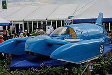 Une réplique du Bluebird K7