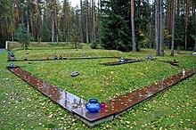Massagraf voor het bloedbad van Katyn, in 1940, waarbij ongeveer 22.000 mensen omkwamen.