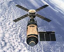 Skylab in 1974, gezien vanaf de Skylab 4 CSM
